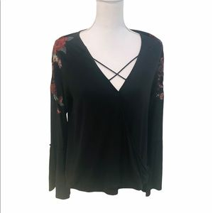 Soft & sexy bell sleeve top embroidered